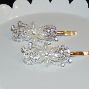 Beautiful Silver Tone Rhinestone & Pearl Clips